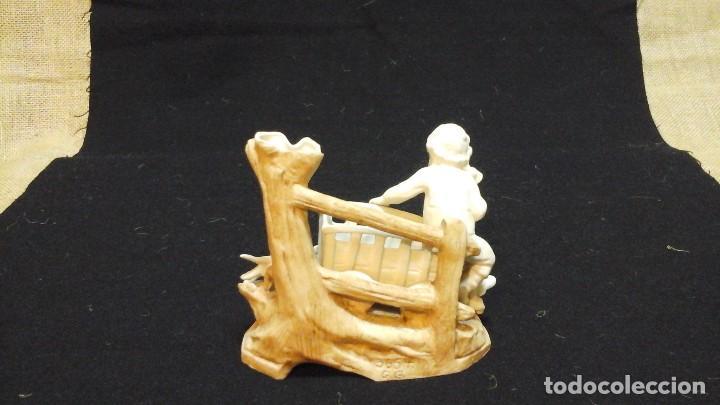 Antigüedades: Biscuit-florero de ppios siglo xx .Marcado - Foto 6 - 124684375