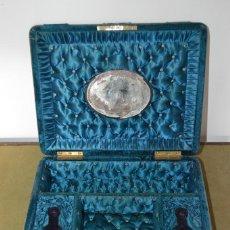 Antigüedades: PRECIOSA Y ANTIGUA CAJA ISABELINA DE TOCADOR, S. XIX, ORIGINAL, CON LLAVE.. Lote 124886087