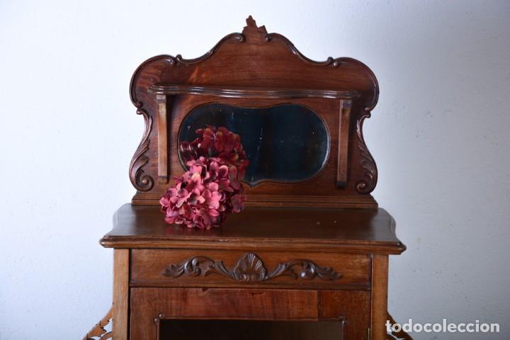 Mueble auxiliar de comedor - Vitrina expositor Art Nouveau