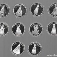 Antigüedades: COLECCION DE 10 MEDALLAS DE VÍRGENES ASTURIANAS PLATEADAS EN SU CAJITA PERFECTAS 4 CM DIAMETRO. Lote 125035927