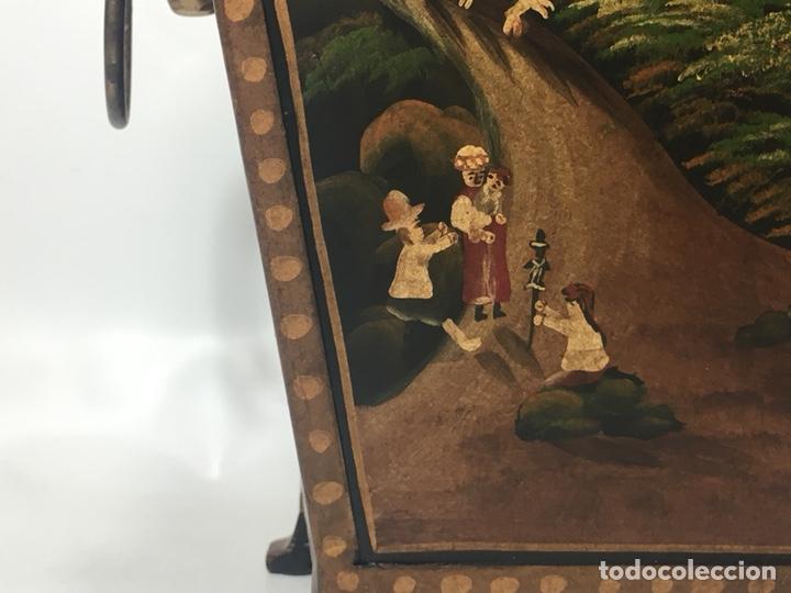 Antigüedades: Jardinera hoja de lata pintada a mano escenas campestres 16,5x20x23 - Foto 11 - 125059707