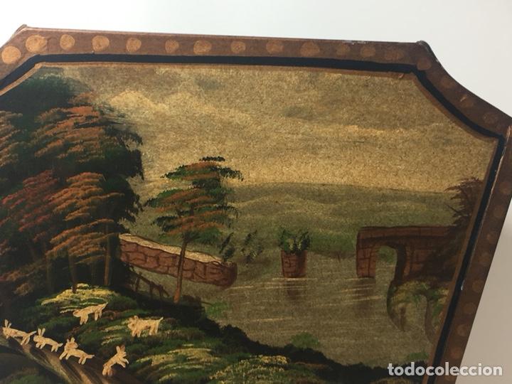 Antigüedades: Jardinera hoja de lata pintada a mano escenas campestres 16,5x20x23 - Foto 12 - 125059707