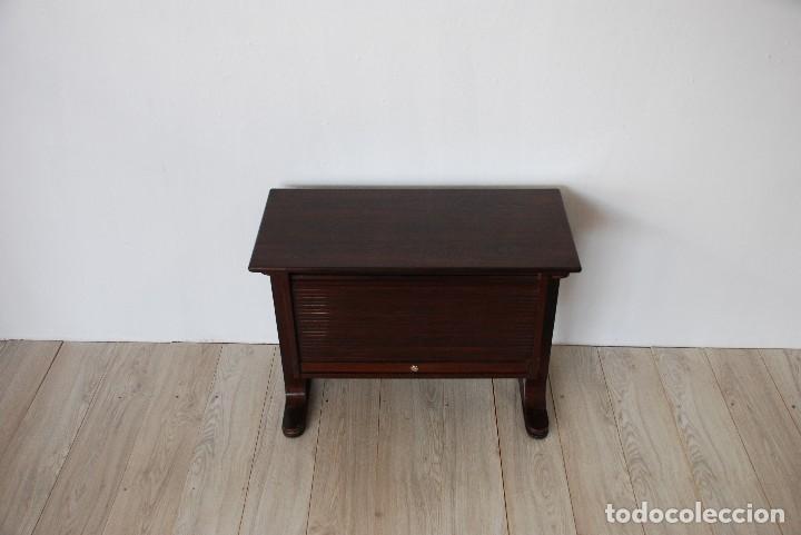 MUEBLE AUXILIAR TONO WENGUE (Antigüedades - Muebles Antiguos - Aparadores Antiguos)