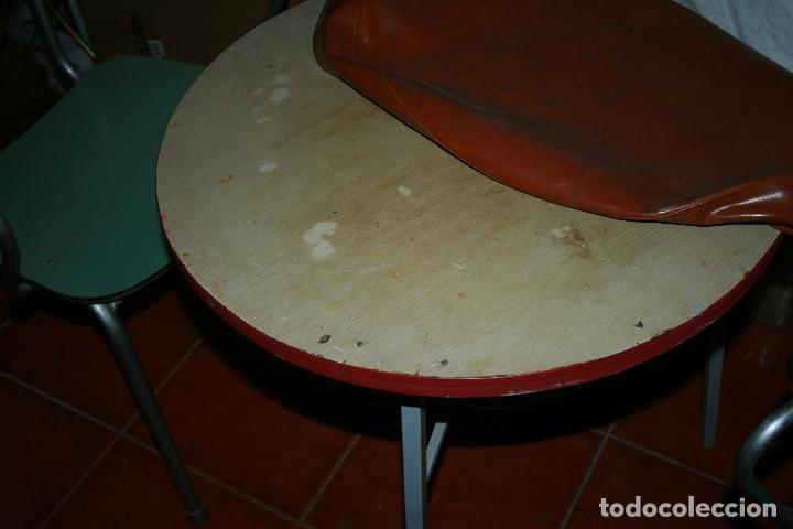 Antigüedades: mesa y dos silones procedentes de un bar. para terraza o jardin. hierro y formica. - Foto 8 - 125130547