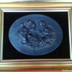 Antigüedades: CUADRO CON MEDALLON DE ANGELITOS. Lote 125166516