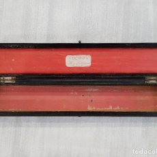 Antigüedades: CAJA CHINA LACADA DE ABANICO. DEL COMERCIO PORTUGUÉS DE MACAO VOCHON FAZ LEQUES. SIGLO XIX. Lote 125227039