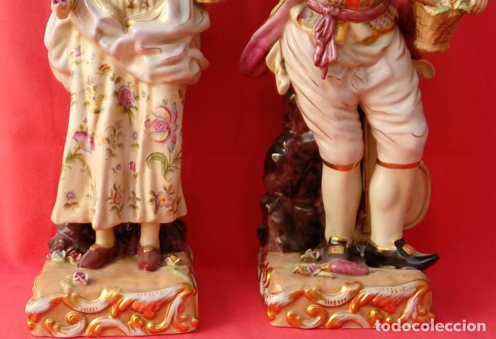 Antigüedades: PAREJA DE FIGURAS GALANTES EN PORCELANA FRANCESAS. XIX. EN MAGNÍFICO ESTADO. 47.5 Y 49 CMS ALTO - Foto 3 - 125234655