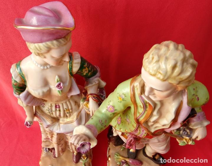 Antigüedades: PAREJA DE FIGURAS GALANTES EN PORCELANA FRANCESAS. XIX. EN MAGNÍFICO ESTADO. 47.5 Y 49 CMS ALTO - Foto 26 - 125234655