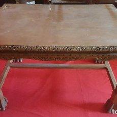 Antigüedades: PRECIOSA MESA CASTELLANA CON PATAS DE GARRA.. Lote 125235635