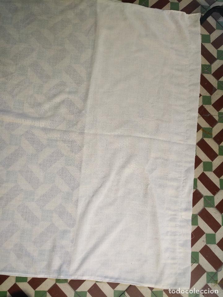 Antigüedades: GRAN PATA DE CORTINA CON TIRA BORDADA . 220X 114 CM MAS LO METIDO - Foto 8 - 125258943