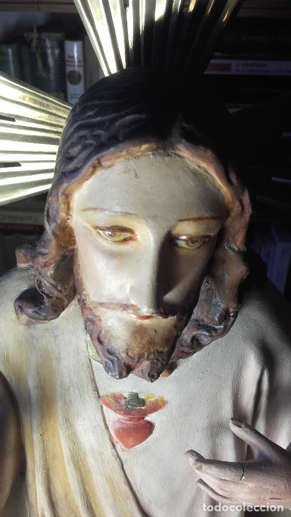 SAGRADO CORAZON ENTRONIZADO. ANTIGUO. SIN SELLO DE PROCEDENCIA. 50 CENTIMETROS. 3150 GRAMOS. (Antigüedades - Religiosas - Varios)