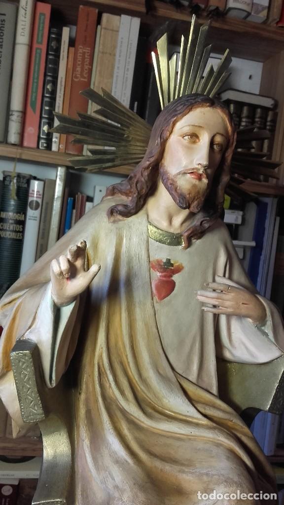 Antigüedades: SAGRADO CORAZON ENTRONIZADO. ANTIGUO. SIN SELLO DE PROCEDENCIA. 50 CENTIMETROS. 3150 GRAMOS. - Foto 3 - 125333835