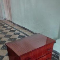 Antigüedades: MESITA DE NOCHE VINTAGE. Lote 125468056