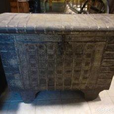 Antigüedades: ARCON ANTIGUO DE ORIGEN INDIO. Lote 125736103