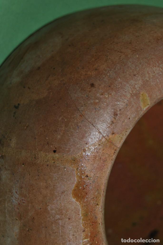 Antigüedades: COMEDERO O BEBEDERO DE BARRO PARA GALLINAS O AVES - Foto 5 - 125765327