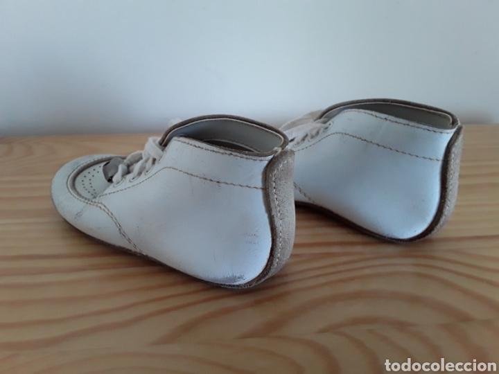 Antigüedades: Antiguos zapatos de bebé. Made in U. S. A. - Foto 3 - 125850975