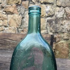 Antigüedades: ANTIGUA BOTELLA DE LICOR VIDRIO SOPLADO. Lote 125885547
