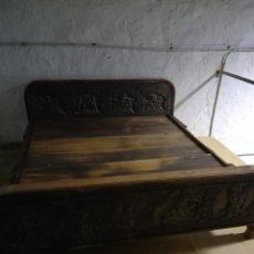Antigüedades: CAMA INDIA DE MADERA TALLADA, FORMAS EROTICAS. Lote 125894619
