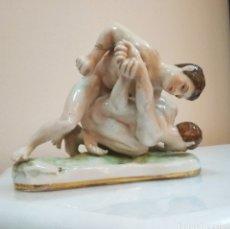 Antigüedades: FIGURA DE PORCELANA ITALIANA CAPODIMONTE, FINAL SIGLO XIX. Lote 125898927