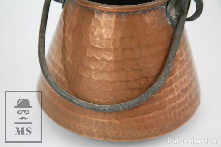 Antigüedades: Medida / Mesura o Caldero de Cobre Martillado con Asa de Hierro - Medidas 15 x 15 x 14 cm - Foto 2 - 125989051