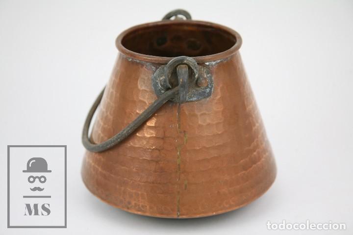 Antigüedades: Medida / Mesura o Caldero de Cobre Martillado con Asa de Hierro - Medidas 15 x 15 x 14 cm - Foto 3 - 125989051