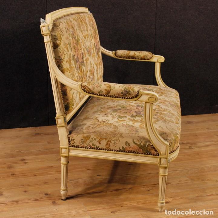 Antigüedades: Sofá francés en madera lacada y tallada en estilo Luís XVI del siglo XX - Foto 2 - 125991655