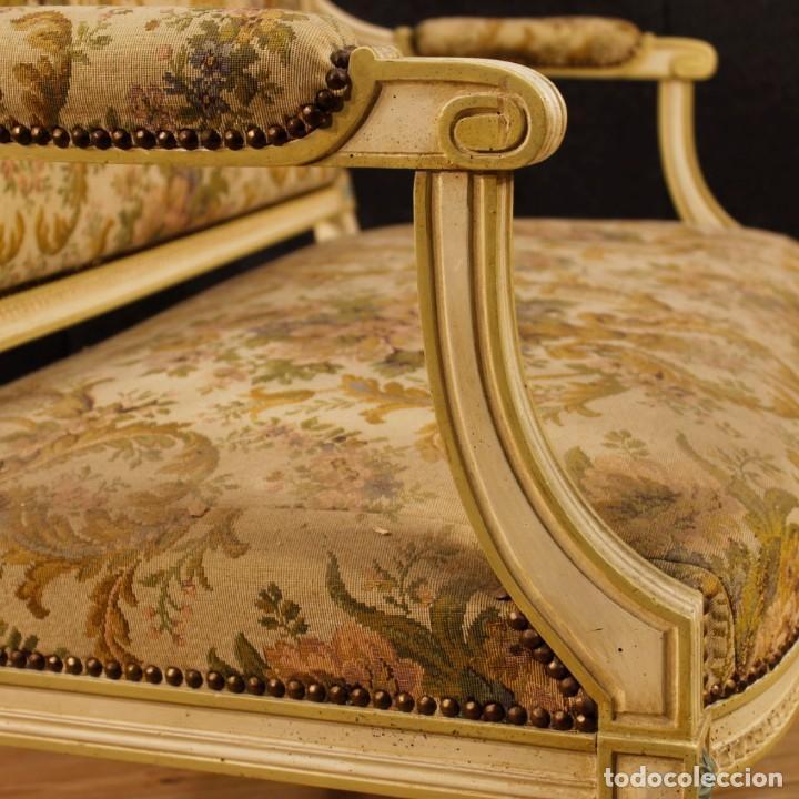 Antigüedades: Sofá francés en madera lacada y tallada en estilo Luís XVI del siglo XX - Foto 3 - 125991655