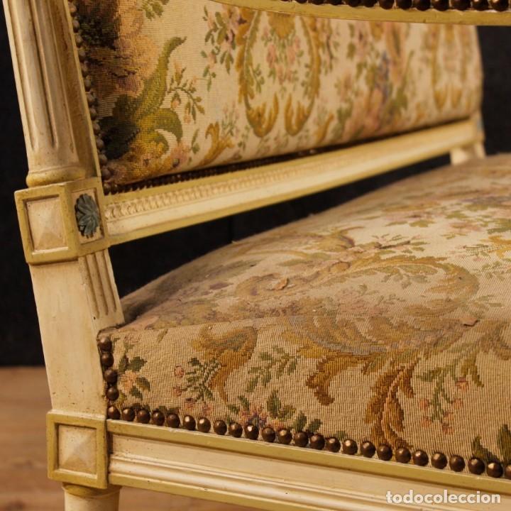 Antigüedades: Sofá francés en madera lacada y tallada en estilo Luís XVI del siglo XX - Foto 4 - 125991655
