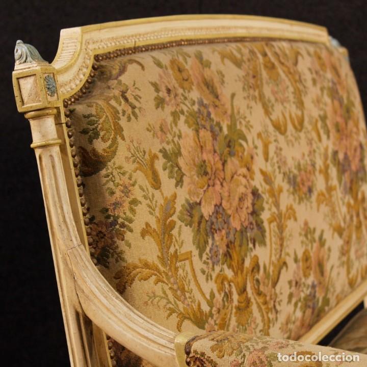 Antigüedades: Sofá francés en madera lacada y tallada en estilo Luís XVI del siglo XX - Foto 5 - 125991655