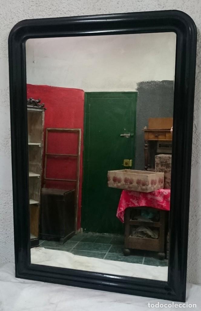 Antigüedades: Espectacular espejo de madera de caoba rubia lacado en negro, alta calidad, Isabelino.128x79 - Foto 3 - 126031335