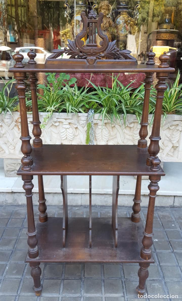 MUEBLE MUSIQUERO. MADERA DE NOGAL. ESTILO ALFONSINO. ESPAÑA. SIGLO XIX. (Antigüedades - Muebles Antiguos - Auxiliares Antiguos)
