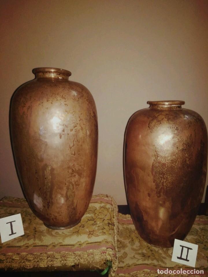 Antigüedades: WFM - LOTE 2 JARRONES O FLOREROS DE METAL LATÓN O COBRE ?? - ALEMANIA AÑOS 30. - Foto 2 - 126068699