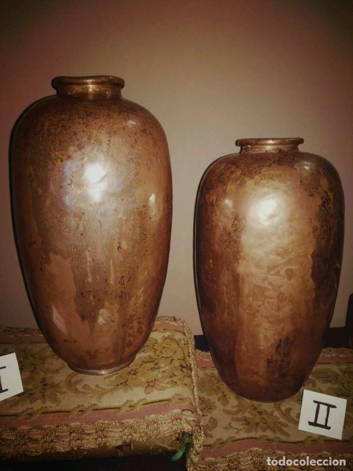 Antigüedades: WFM - LOTE 2 JARRONES O FLOREROS DE METAL LATÓN O COBRE ?? - ALEMANIA AÑOS 30. - Foto 6 - 126068699