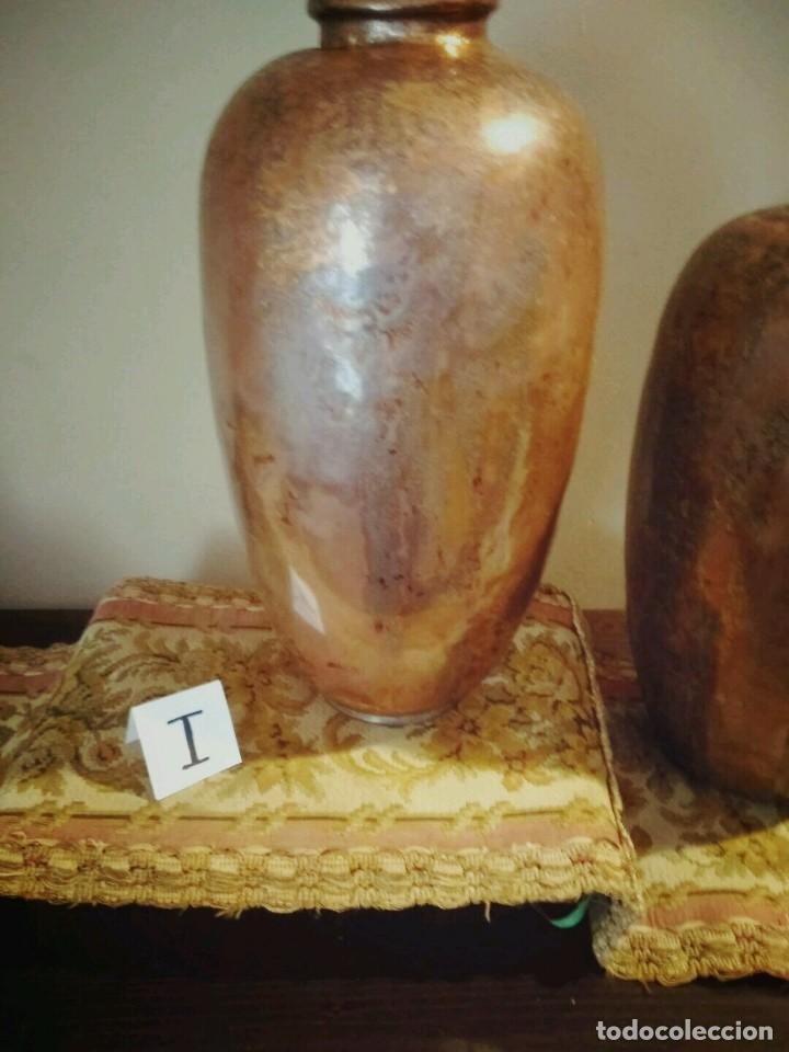 Antigüedades: WFM - LOTE 2 JARRONES O FLOREROS DE METAL LATÓN O COBRE ?? - ALEMANIA AÑOS 30. - Foto 7 - 126068699