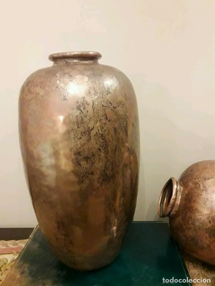 Antigüedades: WFM - LOTE 2 JARRONES O FLOREROS DE METAL LATÓN O COBRE ?? - ALEMANIA AÑOS 30. - Foto 22 - 126068699