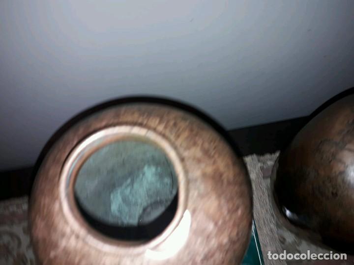 Antigüedades: WFM - LOTE 2 JARRONES O FLOREROS DE METAL LATÓN O COBRE ?? - ALEMANIA AÑOS 30. - Foto 25 - 126068699