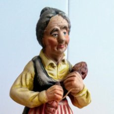 Antigüedades: FIGURA ANCIANA DE COLECCION. Lote 126112811