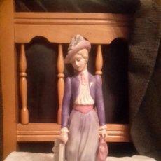Antiques - Figura de porcelana sellada Galos hecha a mano numerada - 126139088