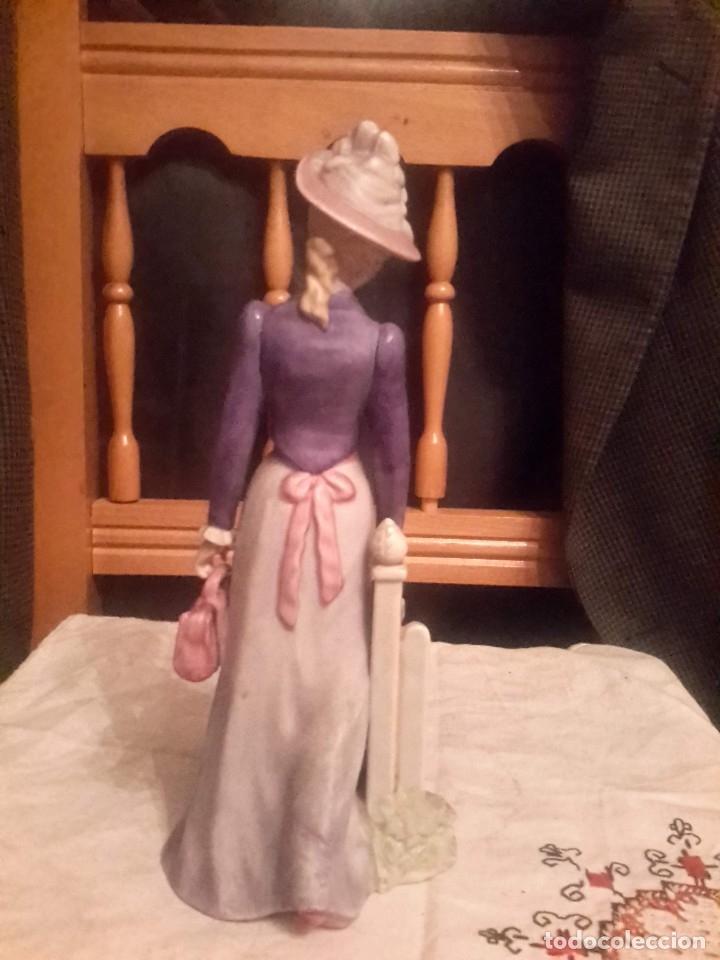 Antigüedades: Figura de porcelana sellada Galos hecha a mano numerada - Foto 2 - 126139088