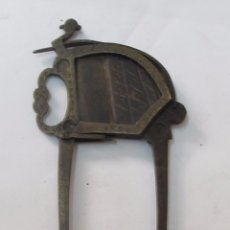 Antigüedades: ANTIGUO CORTADOR METÁLICO. Lote 126175635