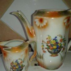 Antigüedades: ANTIGUA CAFETERA Y LECHERA PORCELANA FINA. Lote 126186471