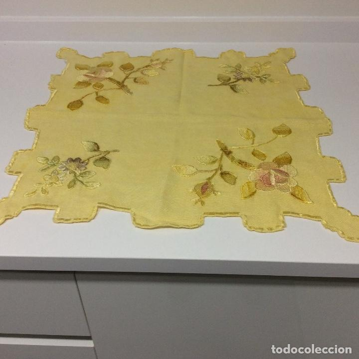 Antigüedades: Tapetes (2) bordados a mano siglo XIX - Foto 4 - 126199595