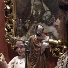Antigüedades: MODERNISTA SAN JOSE Y NIÑO JESUS PORCENA SOBRE PEANA SIGLO XIX CERAMICA FILOS DE ORO ORIGINAL 33 CM. Lote 126202099