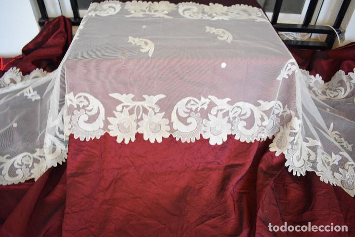 MANTILLA BLANCA ANTIGUA 180 X 55 CM (Antigüedades - Moda - Encajes)