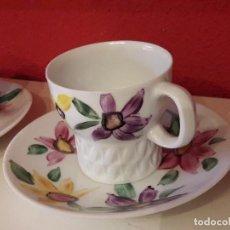 Antigüedades: DOS TAZAS DE CAFÉ CASTRO, SELLO DOLMEN, PINTADAS A MANO.. Lote 126266583