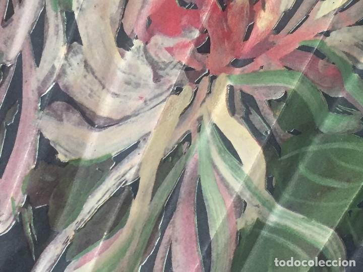 Antigüedades: abanico gran tamaño pericón motivos florales impresos en papel bambú asia años 50 - Foto 14 - 126340575