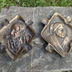 Antigüedades: ANTIGUOS CENICEROS ANCIANOS VASCOS EN BRONCE CON ESCUDOS EUSKALERRIA LA METALICA BILBAO. Lote 126384243