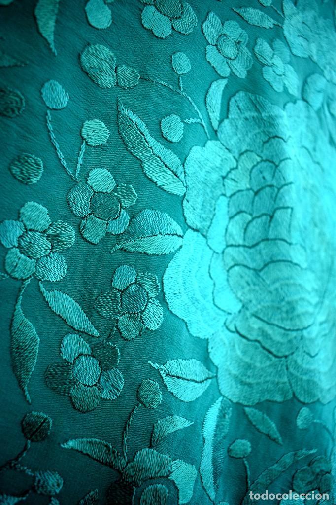 Usado, Manton de Manila, seda bordada a mano en llamativo color verde 140x140 mas enrejado y fleco segunda mano