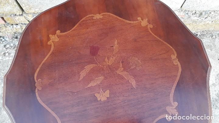 Antigüedades: Velador antiguo estilo inglés. Mesa velador antigua estilo clásico marquetería flores. - Foto 3 - 126403651