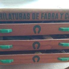 Antiquités: ARMARIO EXPOSITOR DE MADERA ANTIGUO AÑOS 50-60. Lote 125151919